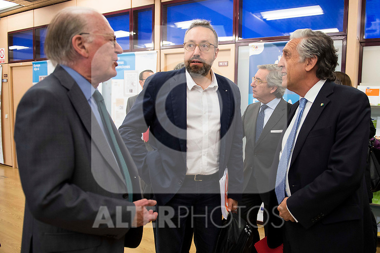 The candidate of Ciudadanos for Barcelona, Juan Carlos Girauta (C) and politic Diego Lopez Garrido (R) involved in the presentation of the report on the State of the European Union in Madrid. June 02. 2016. (ALTERPHOTOS/Borja B.Hojas)