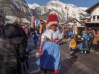 Aufzug der Masken beim Nassereither Schellerlauf, Fasnacht in Nassereith, Bezirk Imst, Tirol, Österreich, Europa, immaterielles UNESCO Weltkulturerbe