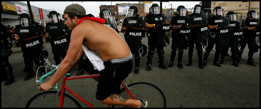 Sept. 24,  - Pittsburgh, Pennsylvania, USA - .Riot police prepare to move a group of protesters and self-proclamed anarchist near downtown Pittsburgh, PA Thursday near the site of the G-20 Summit. Brian Blanco/ZUMA Press
