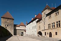 Europe/France/Rhône-Alpes/74/Haute-Savoie/Annecy:le Château - la Cour d'honneur, le Vieux Logis et la Tour de la Reine