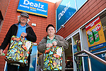 24/9/15 Bray Co Wicklow.<br /> Charlie Coster and Florence Gannon at the open of the new Dealz store in Bray Co Wicklow.<br /> Picture Fran Caffrey /Newsfile/Professional Images