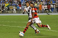 RIO DE JANEIRO, RJ, 22 DE FEVEREIRO 2012 - CAMPEONATO CARIOCA - SEMIFINAL - TAÇA GUANABARA - VASCO X FLAMENGO - Ronaldinho Gaúcho, jogador do Flamengo, durante partida contra o Vasco, pela semifinal da Taça Guanabara, no estádio Engenhão, na cidade do Rio de Janeiro, nesta quarta-feira, 22. FOTO: BRUNO TURANO – BRAZIL PHOTO PRESS.