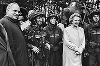 - German Chancellor Helmut Kohl and British Prime Minister Margaret Thatcher visit  the troops during NATO exercises in Germany (September 1986)....- il cancelliere tedesco Helmut Kohl e il Primo Ministro inglese Margaret Thatcher in visita alle truppe durante esercitazioni Nato in Germania (settembre 1986)