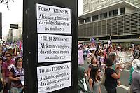 SÃO PAULO, SP - 31.08.2013: 9 MARCHA MUNDIAL DAS MULHERES - Integrantes da 9 Marcha Mundial das Mulheres as 4 faixas da Av Paulista em São Paulo neste sábado (31) e reune mulhers de todo o Brazil e alguns paises. A manifestação que teve início no vão do MASP segue sentido Praça da República região central de São Paulo (Foto: Marcelo Brammer/Brazil Photo Press)