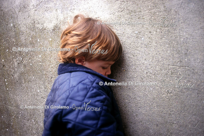 Violenza sui bambini.Violence against children....