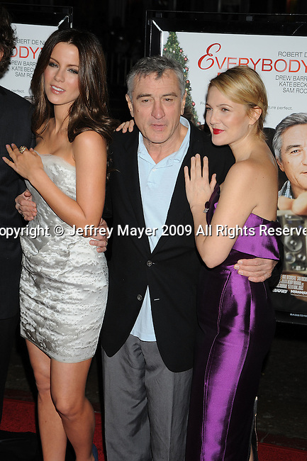 """HOLLYWOOD, CA. - November 03: Kate Beckinsale, Robert De Niro and Drew Barrymore arrive at the AFI FEST 2009 Screening Of Miramax's """"Everbody's Fine"""" on November 3, 2009 in Hollywood, California."""