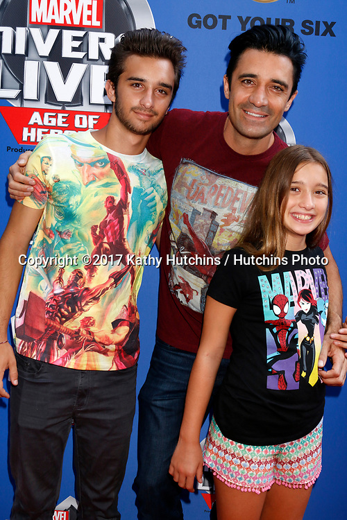 LOS ANGELES - JUL 8:  Gilles Marini, son, daughter at the Marvel Universe Live Red Carpet at the Staples Center on July 8, 2017 in Los Angeles, CA