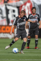 DC United midfielder Brian Carroll (16) makes a pass to a teammate. DC United defeated Chivas USA 2-1, at RFK Stadium in Washington DC, Sunday May 6, 2007.