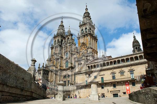 Santiago de Compostela-Galicia-Spain, August 08, 2009 -- The Cathedral seen from Square Praza do Obradoiro --  culture, tourism -- Photo: Horst Wagner / eup-images