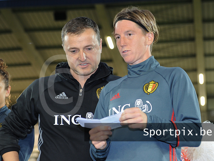 20170613 - LEUVEN ,  BELGIUM : Belgian Aline Zeler (R) and coach Ives Serneels greeting their fans pictured after the female soccer game between the Belgian Red Flames and Japan , a friendly game before the European Championship in The Netherlands 2017  , Tuesday 13 th Juin 2017 at Stadion Den Dreef  in Leuven , Belgium. PHOTO SPORTPIX.BE | DIRK VUYLSTEKE