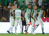 MEDELLÍN - COLOMBIA, 16-08-2017: Jugadores de Atlético Nacional celebran después del auto gol del América de Cali durante por la date 8 de la Liga Águila II 2017 jugado en el estadio Atanasio Girardot de la ciudad de Medellín. / Players of Atletico Nacional celebrate after own goal of America de Cali during match for the date 8 of the Aguila League II 2017 at Atanasio Girardot stadium in Medellin city. Photo: VizzorImage/León Monsalve/Cont