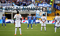 BOGOTA -COLOMBIA. 19-04-2014. Minuto de silencio por el alma de Gabriel Garcia Marquez antes del encuentro  de Millonarios contra el Deportes Tolima  partido por la fecha 18 de La liga Postobon 1 disputado en el estadio Nemesio Camacho El Campin. /  Minute of silence for the soul of Gabriel Garcia Marquez before the match Millonarios against  Deportes Tolima match date 18 The Postobon one league match at the Estadio Nemesio Camacho El Campin . Photo: VizzorImage/ Felipe Caicedo / Staff