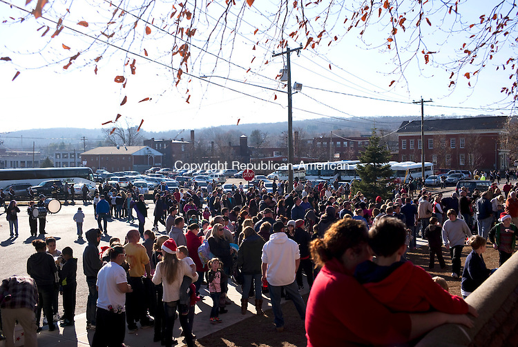 Torrington, CT- 06 December 2015-120615CM09-  Throngs of people wait outside the Christmas Village in Torrington on Sunday.    Christopher Massa Republican-American