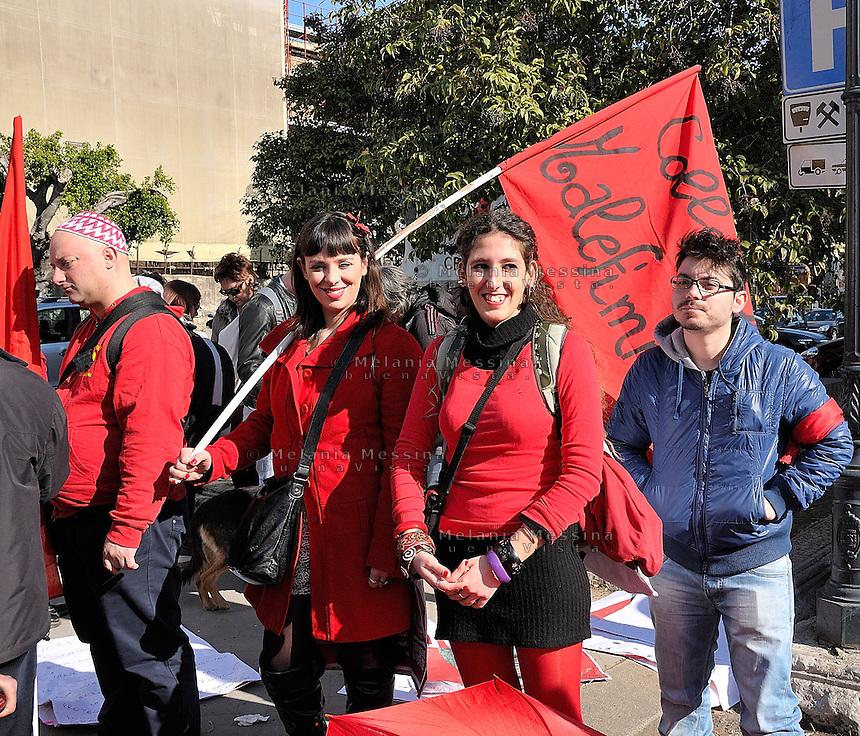 protest of women against Berlusconi and in defense of female dignity.<br />  manifestazione del 13 febbraio in difesa della dignita' delle donne e a favore delle dimissioni di Silvio Berlusconi.