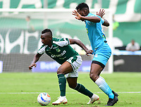 PALMIRA - COLOMBIA, 27-10-2018: Kevin Velasco (Izq) del Deportivo Cali disputa el balón con Danilason (Der) de Jaguares de Córdoba durante partido por la fecha 17 de la Liga Aguila II 2017 jugado en el estadio Palmaseca de Cali. / Kevin Velasco (L) player of Deportivo Cali fights for the ball with Danilson (R) player of Jaguares de Cordoba during match for the date 17 of the Aguila League II 2017 played at Palmaseca stadium in Cali.  Photo: VizzorImage/ Nelson Rios / Cont
