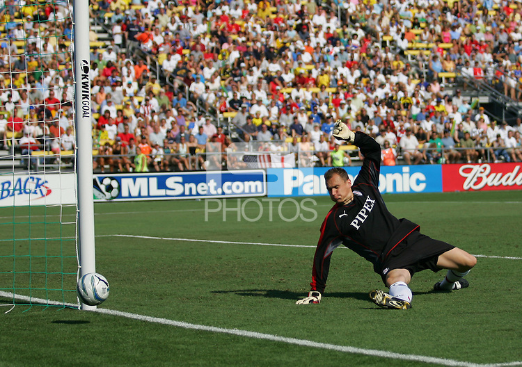 Fulham Goal Keeper Jaroslav Drobny watches one go off the post against the MLS All-Stars at Columbus Crew Stadium in Columbus, OH Saturday, July 30, 2005. The MLS All-Stars won 4-1. (Photo by Brooks Parkenridge/ISI)