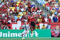 RIO DE JANEIRO, 11.05.2014 - Léo Moura do Flamengo durante o jogo contra Fluminense pela quarta rodada do Campeonato Brasileiro disputado neste domingo no Maracanã. (Foto: Néstor J. Beremblum / Brazil Photo Press)
