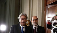 Il Ministro degli Esteri Paolo Gentiloni al Quirinale, al termine del suo incontro col Capo dello Stato. Gentiloni ha ricevuto e accettato con riserva l'incarico di formare il nuovo governo.<br />