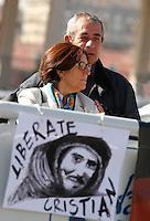 NAPOLI I GENITORI DI CRISTIAN D'ALESSANDRO INCONTRANO IL MINISTRO BONINO DURANTE IL CONVEGNO DI CONFINDUSTRIA<br /> NELLA FOTO ARISTIDE D'ALESSANDRO E RAFFAELA RUGIERO IN ATTESA DEL MINISTRO <br /> FOTO CIRO DE LUCA