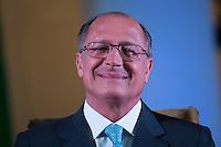 SAO PAULO, SP, 25.01.2014 - POSSE REITOR DA USP - Governador Sao Paulo, Geraldo Alckmin durante posse do novo reitor da USP, Marco Antonio Zago no Auditório Ulysses Guimarães, no Palácio dos Bandeirantes na região sul da cidade de Sao Paulo, deste sábado, 25. Zago é professor titular da USP desde 1990. Dentre outros cargos, foi presidente do Conselho Nacional do Desenvolvimento Científico e Tecnológico (CNPq) entre 2007 e 2010. Desde 2010, era pró-reitor de Pesquisa da USP.(Foto: Vanessa Carvalho / Brazil Photo Press).
