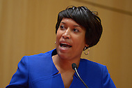 November 13, 2013  (Washington, DC)  Councilmember Muriel Bowser (D-Ward 4), who is running for mayor, participates in a mayoral candidates forum sponsored by the DC Bar November 13, 2013.  (Photo by Don Baxter/Media Images International)