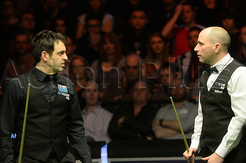20.02.2016. Cardiff Arena, Cardiff, Wales. Bet Victor Welsh Open Snooker. Ronnie O'Sullivan versus Joe Perry. Ronnie O'Sullivan and Joe Perry in conversation.