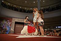 SÃO PAULO - SP. 18.02.2017 - CONCURSO-SP. Cão durante oitava edição do concurso chamado de Cãocurso do Shopping Pátio Higienópolis, com desfile de fantasias de cães, apresentado por Luísa Mell, no centro de São Paulo (Foto: Ciça Neder / Brazil Photo Press)