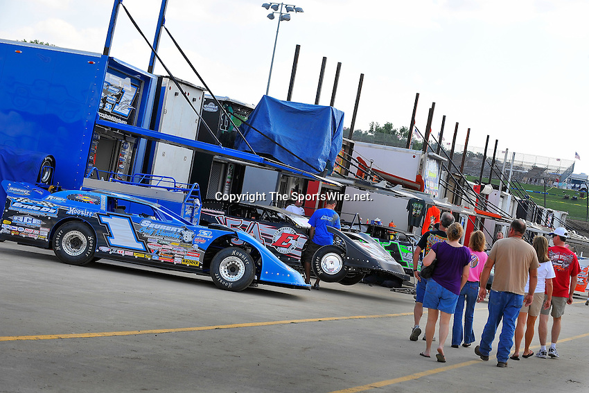 Sep 10, 2009; 3:06:57 PM; Rossburg, OH., USA; The 39th annual running of the World 100 Dirt Late Models racing for the Globe trophy at the Eldora Speedway.  Mandatory Credit: (thesportswire.net)