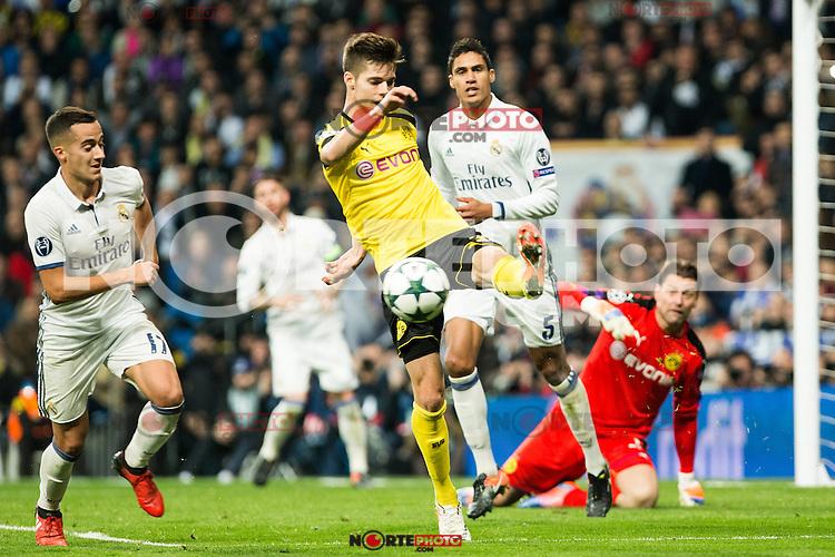 Borussia Dortmund during Champions League match between Real Madrid and Borussia Dortmund  at Santiago Bernabeu Stadium in Madrid , Spain. December 07, 2016. (ALTERPHOTOS/Rodrigo Jimenez) /NortePhoto.com