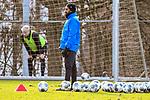 15.02.2020, Sportpark Illoshöhe, Osnabrück, GER, 2. FBL, Training VfL Osnabrueck <br /> <br /> im Bild<br /> Trainer Daniel Thioune (VfL Osnabrück), Aktion / Einzelbild /<br /> <br /> Foto © nordphoto / Paetzel