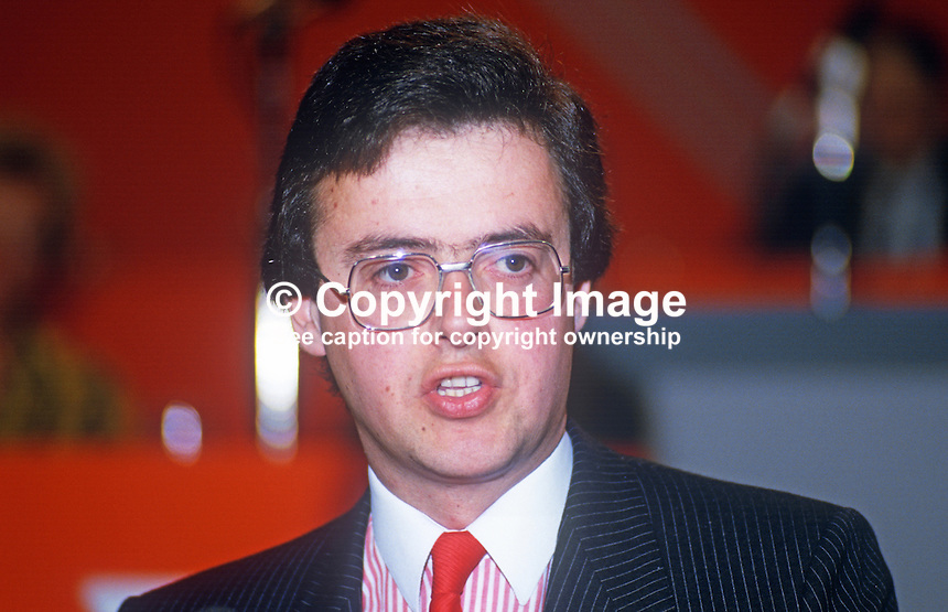 Gavin Grant, PPC, prospective parliamentary candidate, Southend West, Liberal Party, UK, speaking, annual conference, September 1986. 19860919GG1<br />
