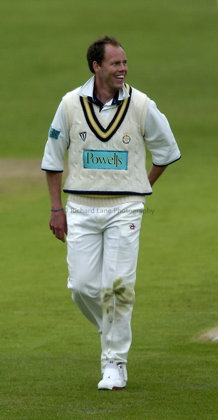 Photo. Jed Wee..Yorkshire CCC v Hampshire CCC, Frizzell County Cricket Championship Division Two, 13/05/2004..Hampshire's Billy Taylor.