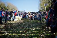 Nikki Harris (GBR/Telenet-Fidea) descending the slippery twisty Koppenberg<br /> <br /> Koppenbergcross 2014