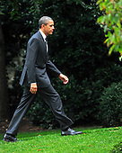 United States President Barack Obama walks to the Oval Office after landing on the South Lawn of the White House in Washington, D.C. on Wednesday, October 26, 2011.   The President returned from a three day campaign trip to California, Nevada, and Colorado..Credit: Ron Sachs / Pool via CNP