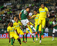 PALMASECA-COLOMBIA, 5 - 11- 2017. Dairo Moreno (Der.) jugador del  Atlético Nacional disputa el balón con el Deportivo Cali durante partido por la fecha 19 de la Liga Aguila II 2017 jugado en el estadio Deportivo Cali  en  Palmaseca . / Dairo Moreno (R) player of Atletico Nacional fights for the ball withDeportivo Cali during match for the date 19 of the Liga Aguila II 2017 played at the Deportivo Cali  Stadium in Palmaseca  . Photo:VizzorImage / Nelson Rios  / Contribuidor