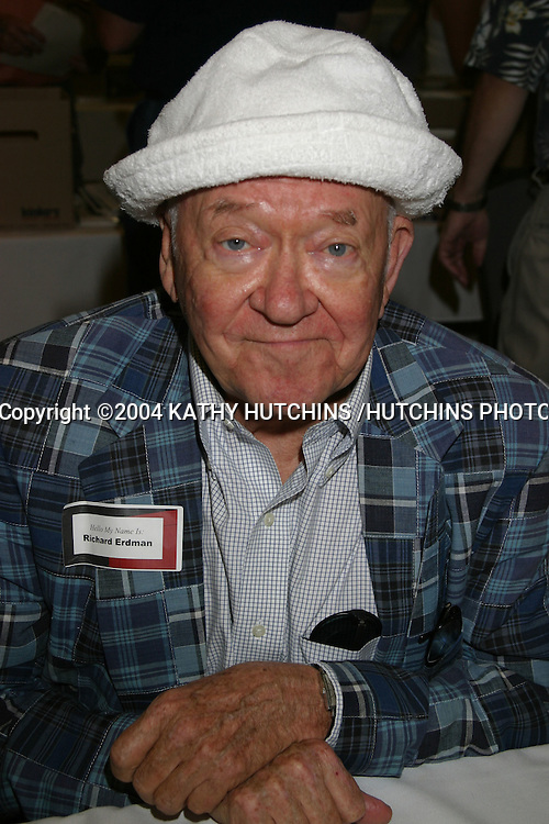 ©2004 KATHY HUTCHINS /HUTCHINS PHOTO.STARS OF THE ZONE CONVENTION (TWILIGHT ZONE).NO HOLLYWOOD, CA.AUGUST 21, 2004..RICHARD ERDMAN