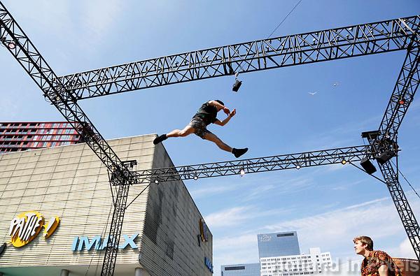 Nederland Rotterdam 2017. Rotterdam Circusstad Festival. Acrobaten.  Foto Berlinda van Dam / Hollandse Hoogte