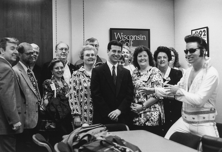 Sen. Russ Feingold, D-Wis., in his office with staff members. 1994 (Photo by CQ Roll Call via Getty Images)
