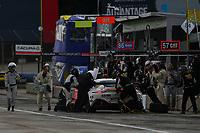 #09 Automatic Racing Aston Martin AMR Vantage, GS: Akhil Rabindra, Pit Stop