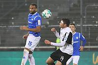 Terrence Boyd (SV Darmstadt 98) gegen Tim Kister (SV Sandhausen) - 17.11.2017: SV Darmstadt 98 vs. SV Sandhausen, Stadion am Boellenfalltor, 2. Bundesliga