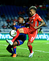 CALI-COLOMBIA, 29-10-2019: Duván Vergara de América de Cali y Fabián Viafara de Deportivo Pasto, disputan el balón durante partido entre América de Cali y Deportivo Pasto, de la fecha 20 por la Liga Aguila II 2019 jugado en el estadio Pascual Guerrero de la ciudad de Cali. / Duvan Vergara of America de Cali and Fabián Viafara of Deportivo Pasto, vie for the ball during a match between America de Cali and Deportivo Pasto, of the 20th date for the Liga Aguila II 2019 at the Pascual Guerrero stadium in Cali city. / Photo: VizzorImage / Nelson Ríos / Cont.