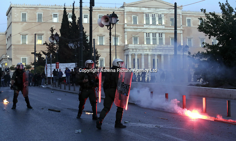 Pictured: Riot police in front of the Greek Parliament Sunday 09 May 2016<br />