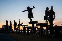 Nederland, Rotterdam, 31 okt  2015<br /> Speelplaats voor kinderen op de Kop van Zuid.<br />  <br /> Foto: (c)  Michiel Wijnbergh