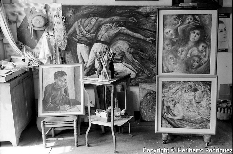 Archive photo of Poland-born muralist and painter Fanny Rabel's painting studio in Mexico City, November 11, 1992. Rabel worked with David Alfaro Siqueiros, Diego Rivera and Frida Khalo and along with Antonio Garica Bustos, Guillermo Monroy and Arturo Estrada were known as the Group of The Fridos. © Photo by Heriberto Rodriguez