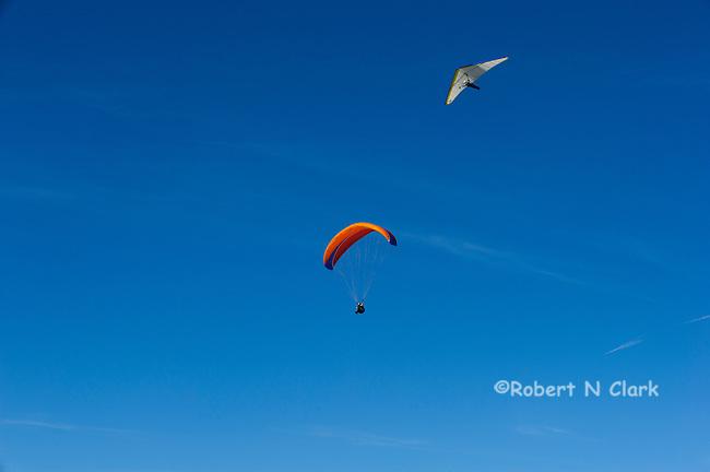 Parasailer and Hang Glider at the Torrey Pines Glider Port