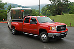 Chevy HD dually towing horse trailer