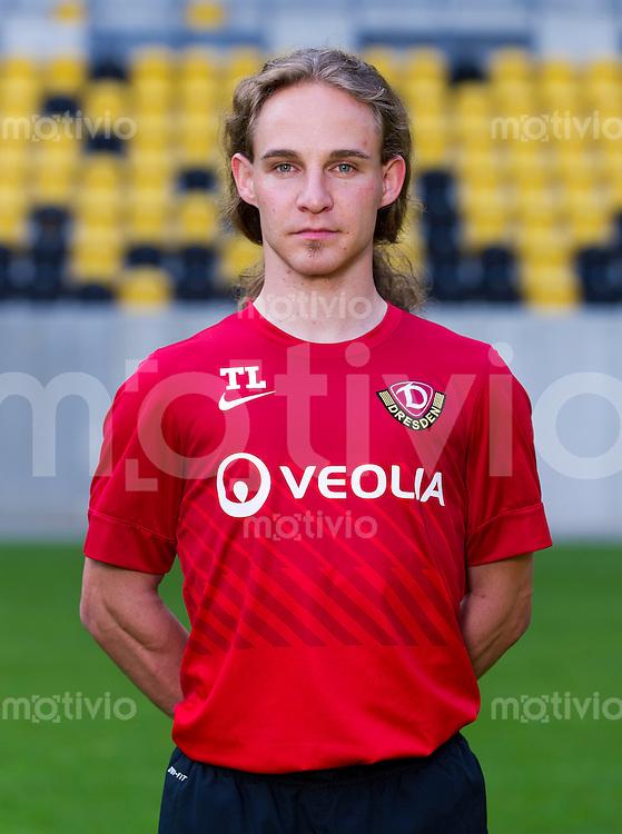 Fussball, 2. Bundesliga, Saison 2013/14, SG Dynamo Dresden, Mannschaftsvorstellung, Mannschaftsfoto, Portraittermin Physiotherapeut Tobias Lange.