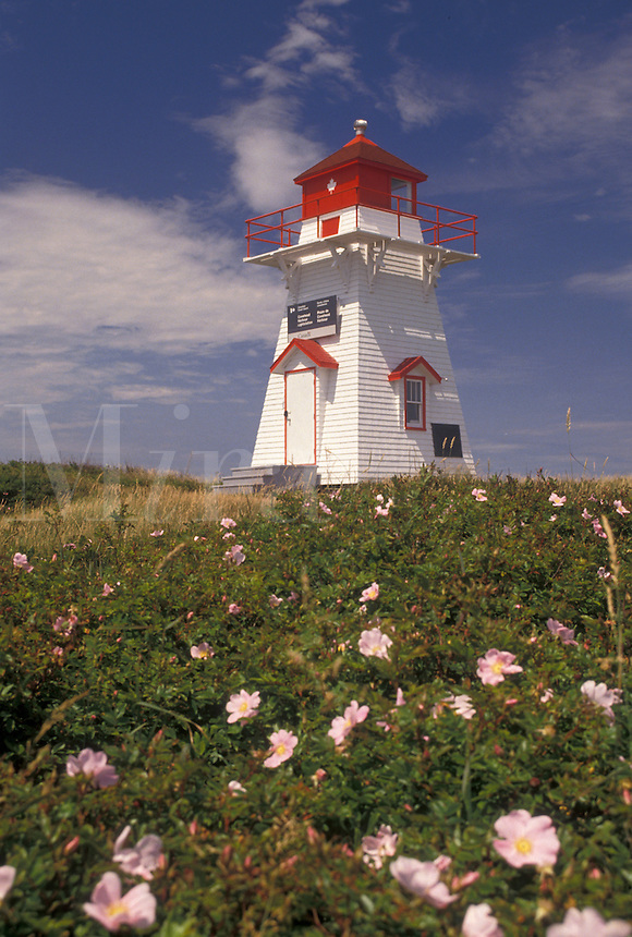 lighthouse, Prince Edward Island National Park, P.E.I., Canada, Prince Edward Island, Gulf of St. Lawrence, Covehead lighthouse at Prince Edward Island National Park on Prince Edward Island.