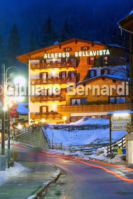 SONY DSC Foto di Madonna di Campiglio, Dolomiti di Brenta, Parco Naturale Adamello Brenta, piste di campiglio,madonna di campiglio in winter, photos of madonna di campiglio, foto di madonna di campiglio, madonna di campiglio estate inverno
