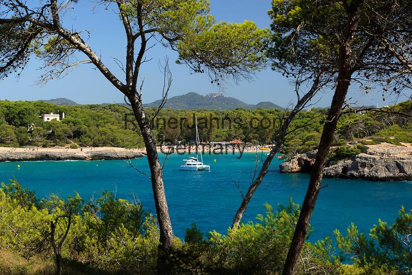 Spain, Mallorca, Parc Natural de Mondrago: View over Platja de ses fonts de n'Alis | Spanien, Mallorca, Parc Natural de Mondrago: Platja de ses fonts de n'Alis